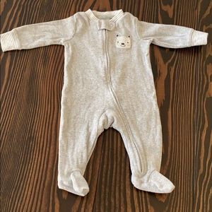 Carter's 3 mos unisex sleeper. In great condition